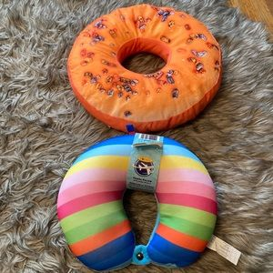 Travel pillow and donut 🍩 pillow